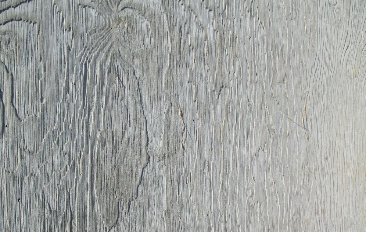 odcisk drewna w betonie